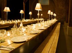 Gedeckter-Tisch-s